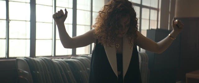 Jess Glynne – Don't Be So Hard On Yourself – Music Video [iTunes Plus AAC M4V] (2015)