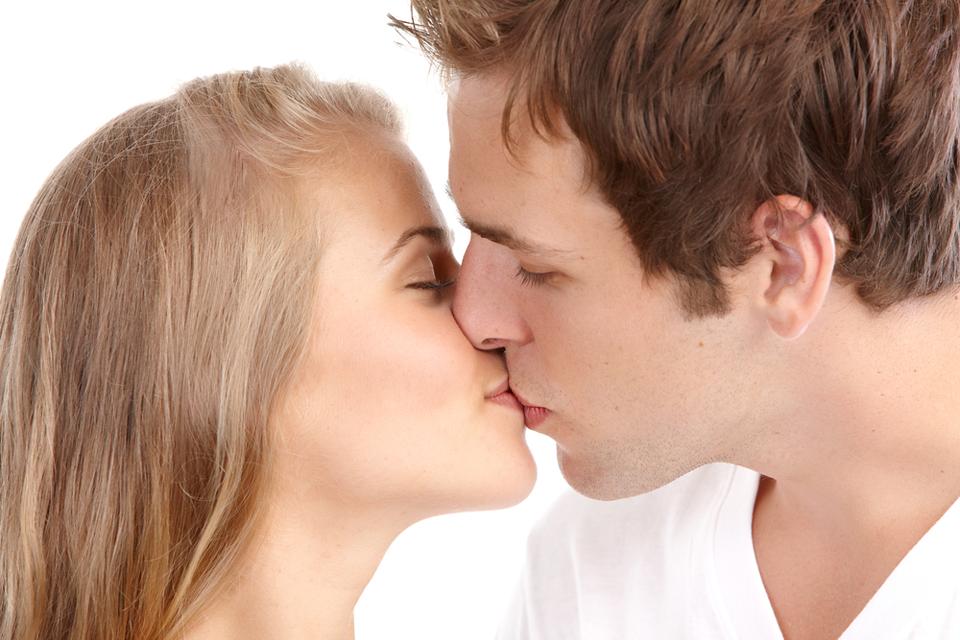 Как сделать поцелуй