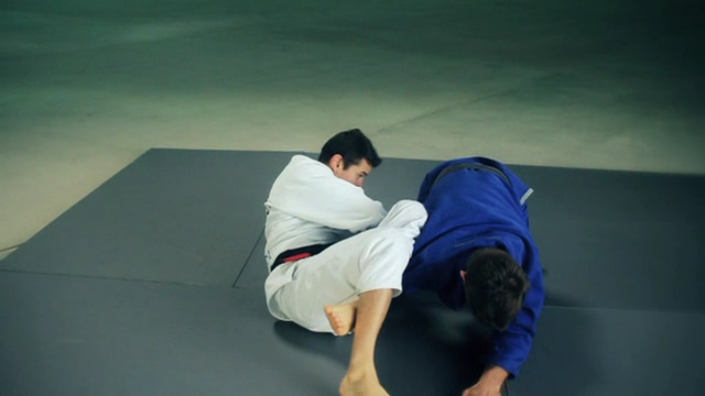 Brazilian Jiu-Jitsu: Closed Guard Attacks