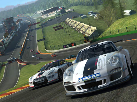 Real Racing 3 screenshot #1